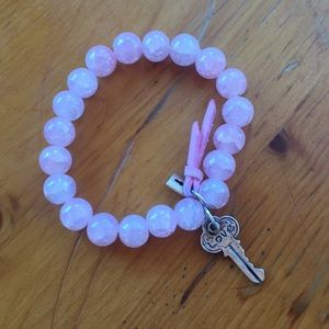 Jewelry - Pink beaded bracelet with Love key charm & lock